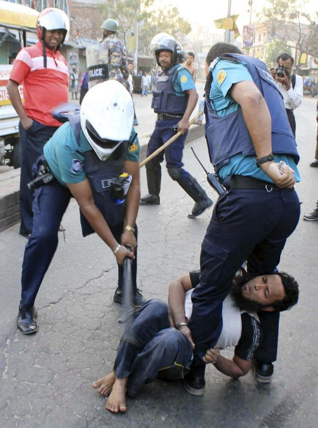 Bangladesh Riots Kills 52 People
