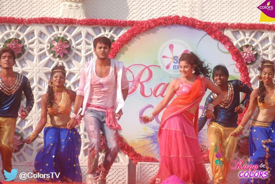 Jai and Bhoomi from Sanskaar - Dharohar Apnon Ki
