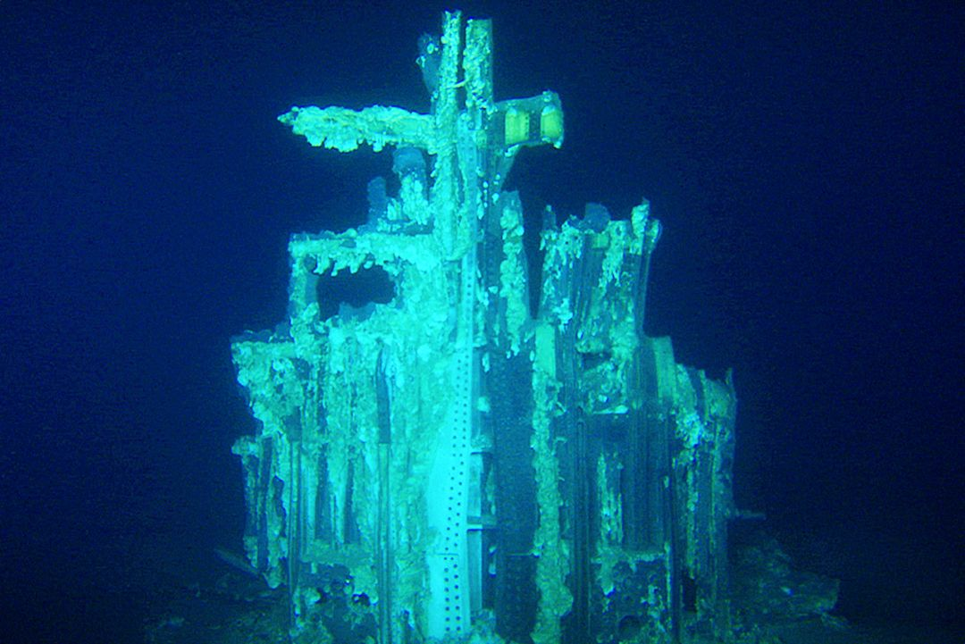 Apollo Rocket Engines Retrieves from Ocean Floor