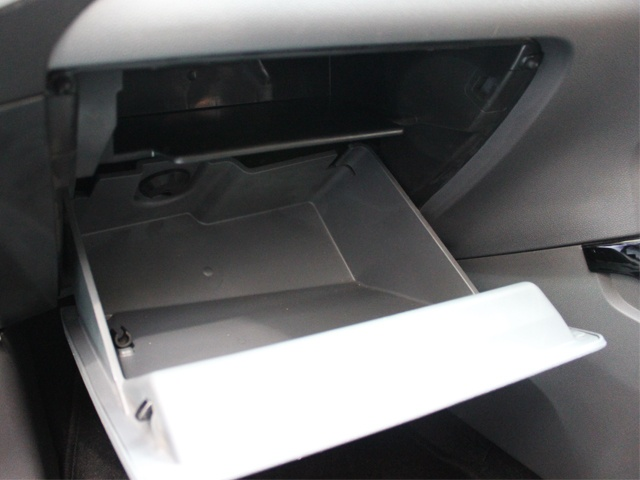 Glovebox with chiller