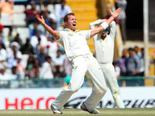 Peter Siddle in action