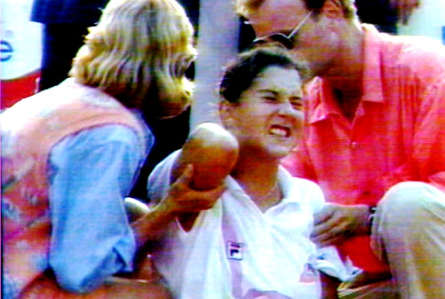 Monica Seles Stabbed in Hamburg
