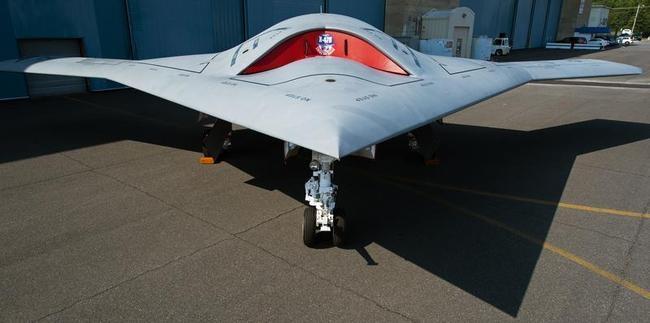 Bat-winged X-47B stealth drone
