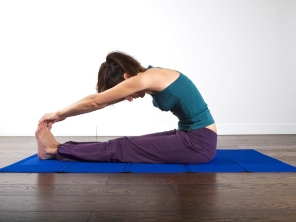 Back Pain: 20 Yoga Poses for Backache : Pashchimottanasana