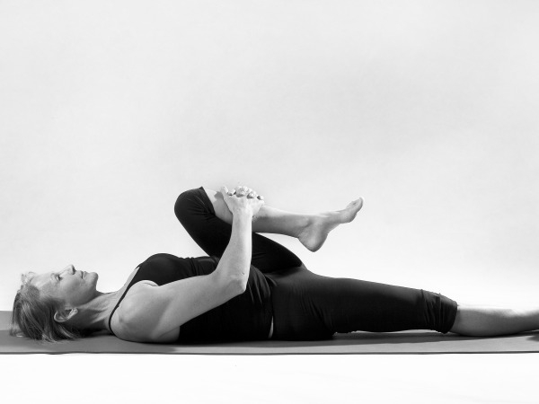 Back Pain: 20 Yoga Poses for Backache : Pavanmuktasana (wind releasing pose)