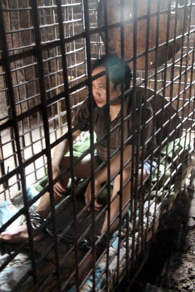 Family Kept Chinese Man in Cage for 11 Years