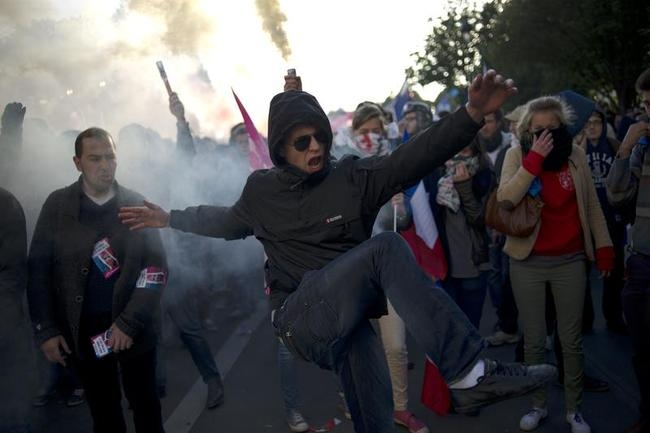 Anti-Gay Marriage Demonstrations in France