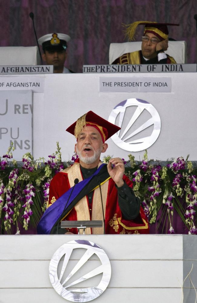 Pranab Mukherjee Confers Degree on Afghan President Hamid Karzai