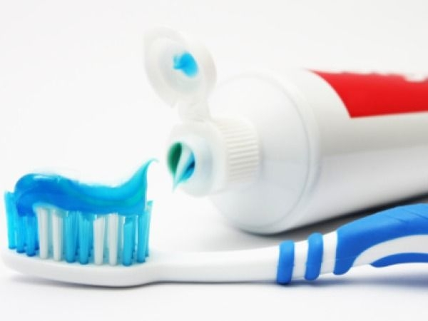 Dental care: 20 Tips for White Teeth : Use strong minty toothpaste