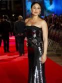 Celebrities Who Practise Yoga : Kareena Kapoor