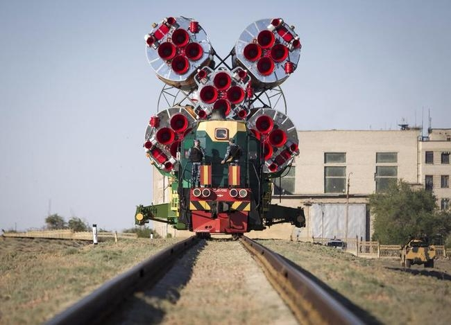 The Soyuz TMA-09M spacecraft is transported to its launch pad at Baikonur cosmodrome