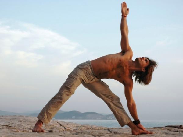 Yoga Postures for Weight loss : Yoga Poses to Lose Weight : Trikonasana