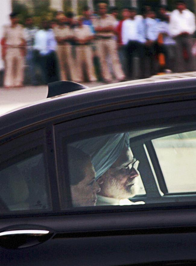 Visiting Maoist attack victim, Congress leader VC Shukla