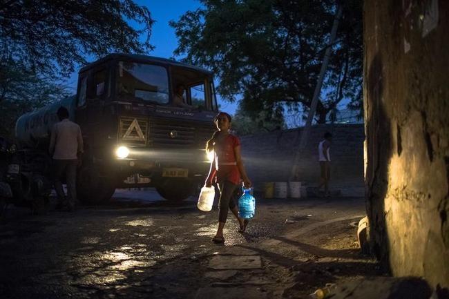 Searing Heat In Delhi Fuel Fears Of Water Crisis