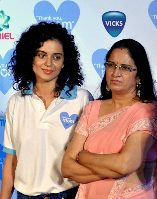 KANGANA RANAUT WITH MOTHER