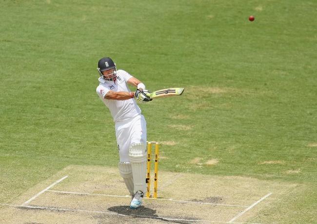 Kevin Pietersen falls to a short-ball