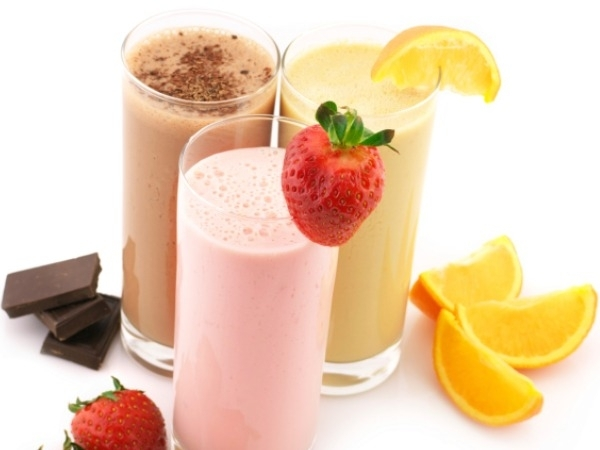 Juice Recipes: Top 15 Juice Recipes for Good Health Almond Papaya and Banana Smoothie