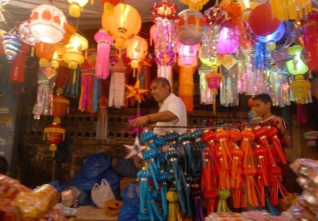 Lanterns To Light Up Your Diwali