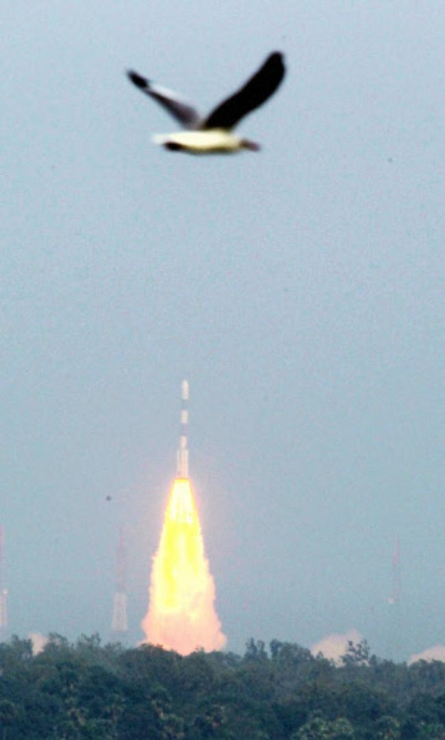 India mission to Mars blasts off successfully