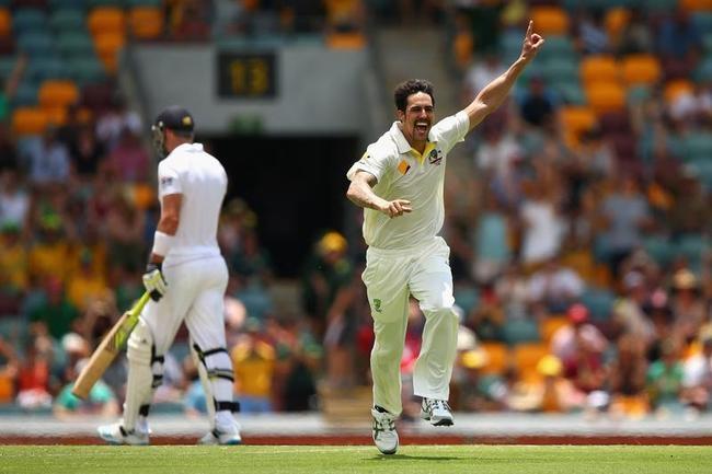 Mitchell Johnson Snares Pietersen