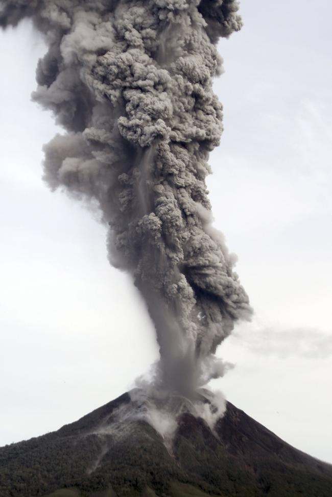 2 Indonesian Volcanoes Erupt, Disrupt Life: PICS