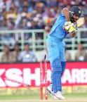 Ravindra Jadeja is bowled for 10