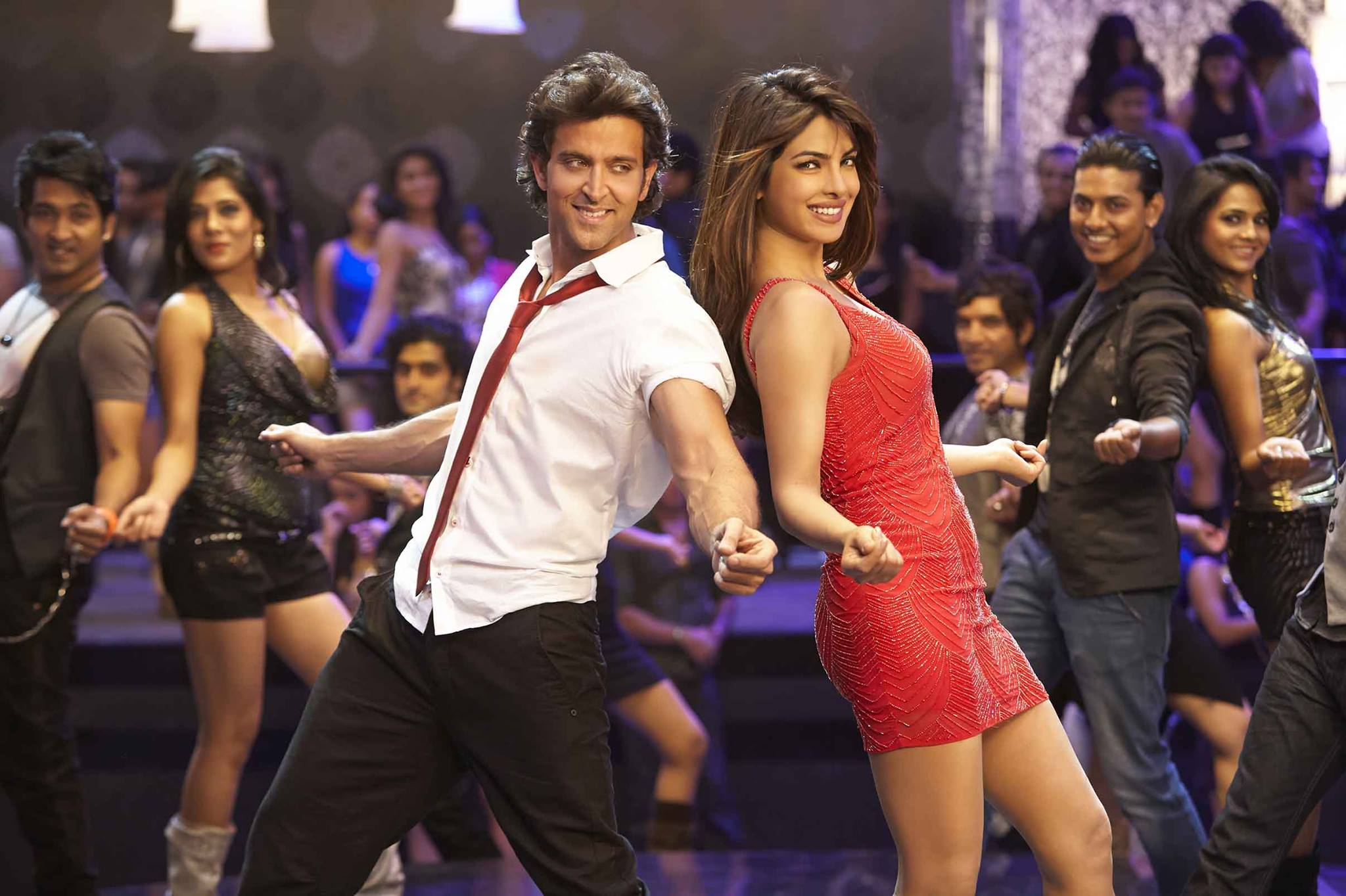 Krrish 3 Hrithik Romances Red Hot Priyanka Chopra