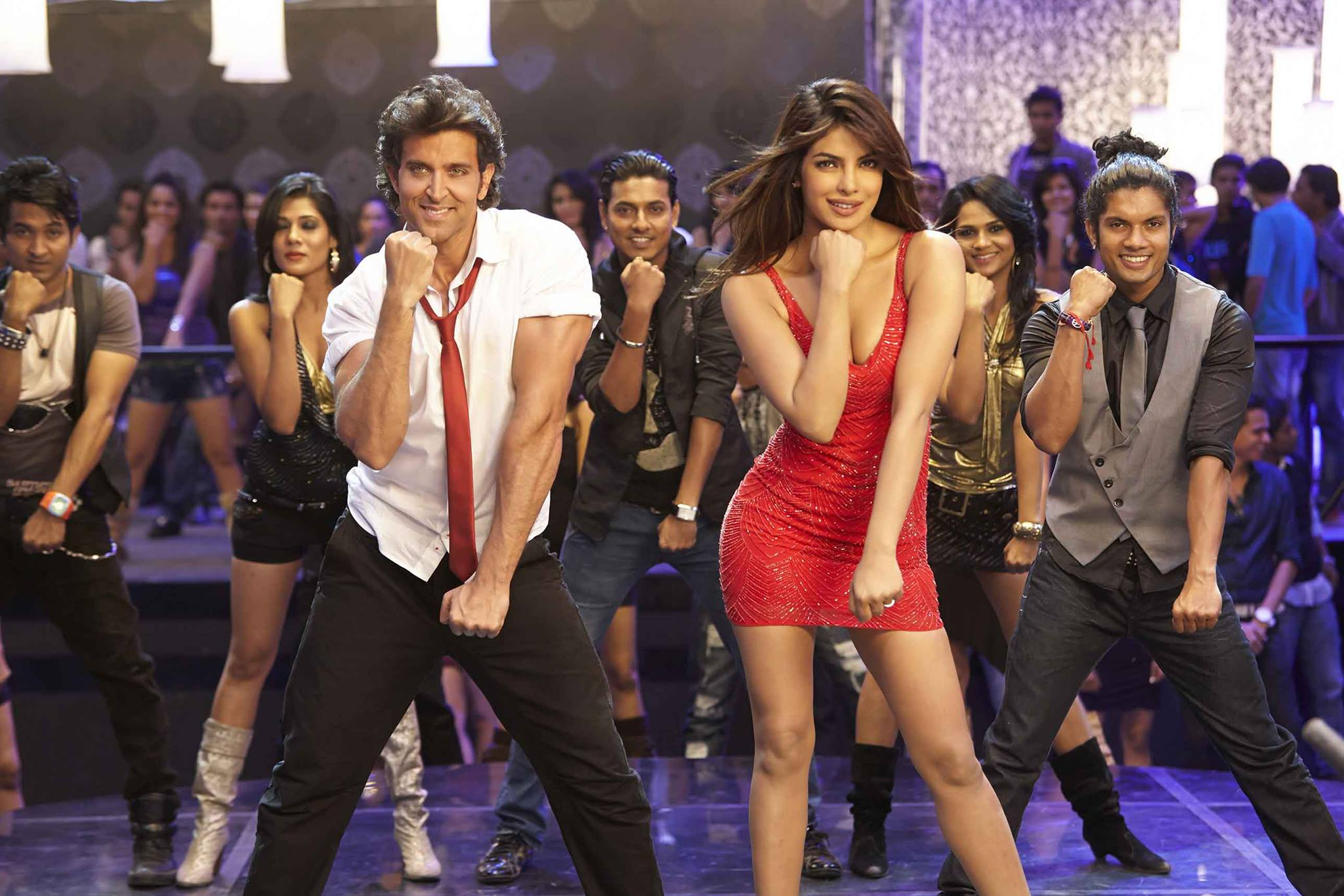 krrish 3: hrithik romances red hot priyanka chopra - indiatimes