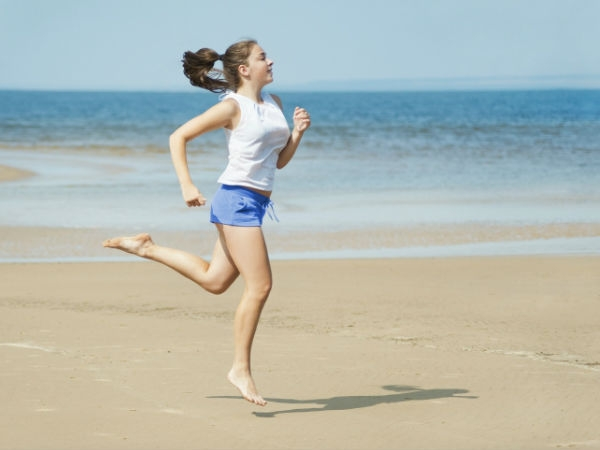 Workouts: 20 Best Beach Workouts for Fitness High Knee Jog
