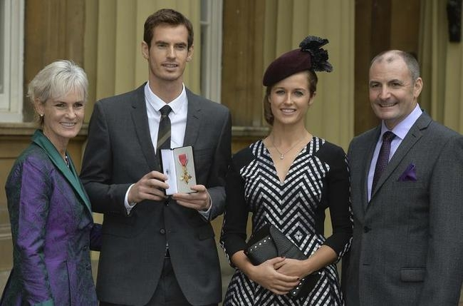 Andy Murray, Kim Sears and Parents at Buckingham Palace