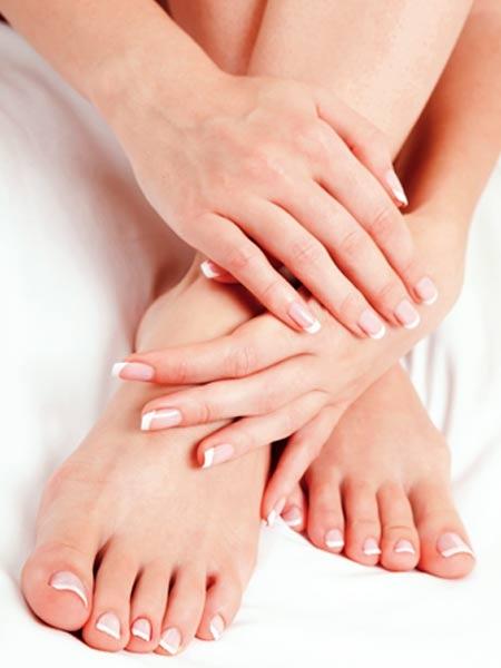 Kidney: Symptoms of Kidney disease You Shouldn't Ignore Swollen feet, hands or ankles