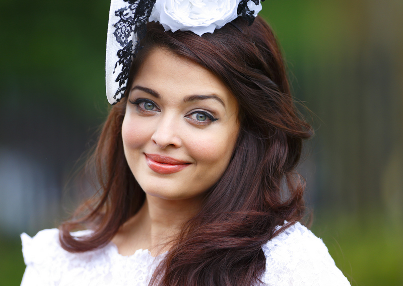 10 Recent Pictures That Reaffirm Our Belief That Aishwarya