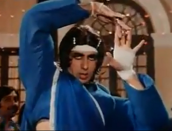 Amitabh Bachchan in Lawaaris