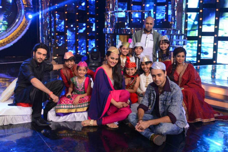 Sonakshi, Imran promote OUATIMD on the qawali special