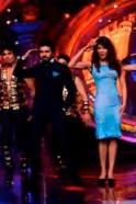 Priyanka, Ram Charan do the Zanjeer dance