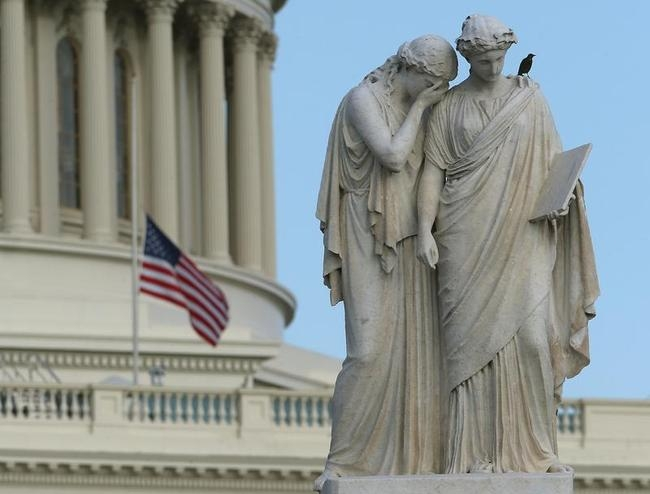 Security Tightens At US Capitol After Deadly Shootings At Washington Navy Yard