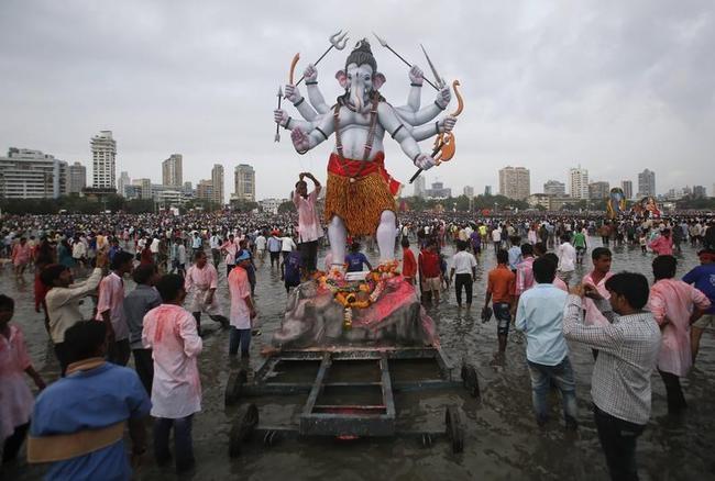 PICS: Ganesh Visarjan
