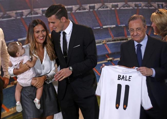 Gareth Bale, Girlfriend and Daughter