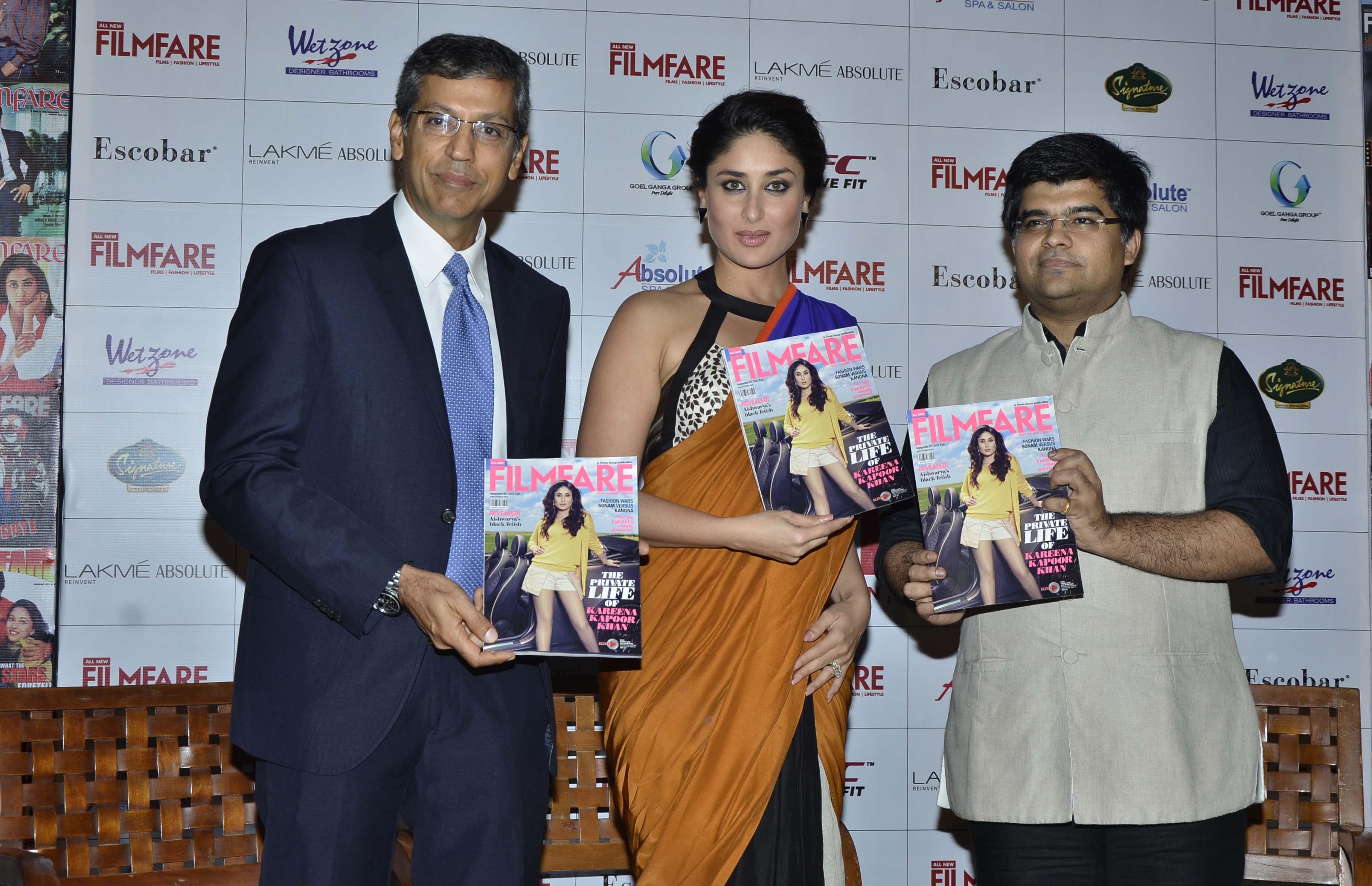 Kareena Gives The Saree A Sexy Twist - Indiatimescom-5286