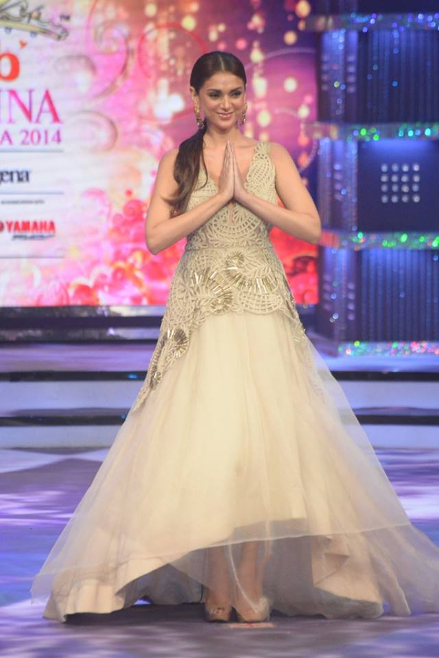 Judge Aditi Rao Hydari on stage at fbb Femina Miss India 2014.