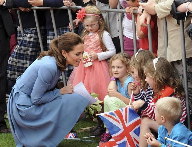 Prince William and Kate Middleton Charm Locals in New Zealand: PICS