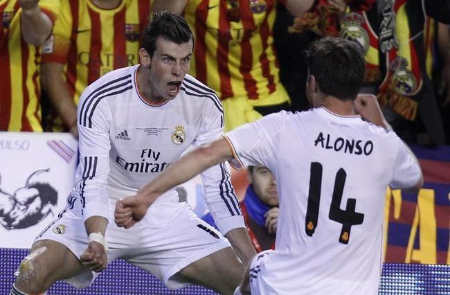 Gareth Bale, Xabi Alonso