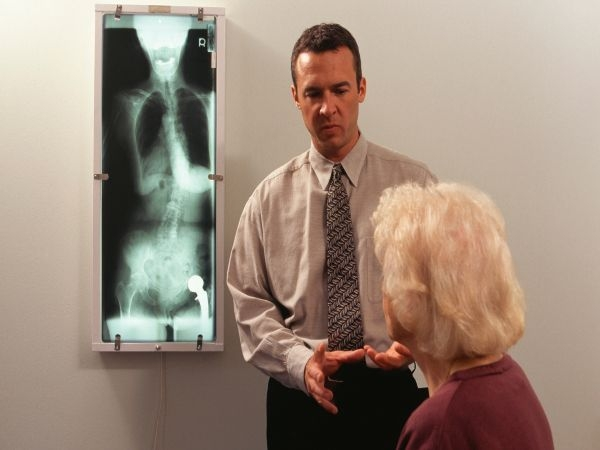 Risks of Osteoporosis in Women How can you diagnose osteoporosis?