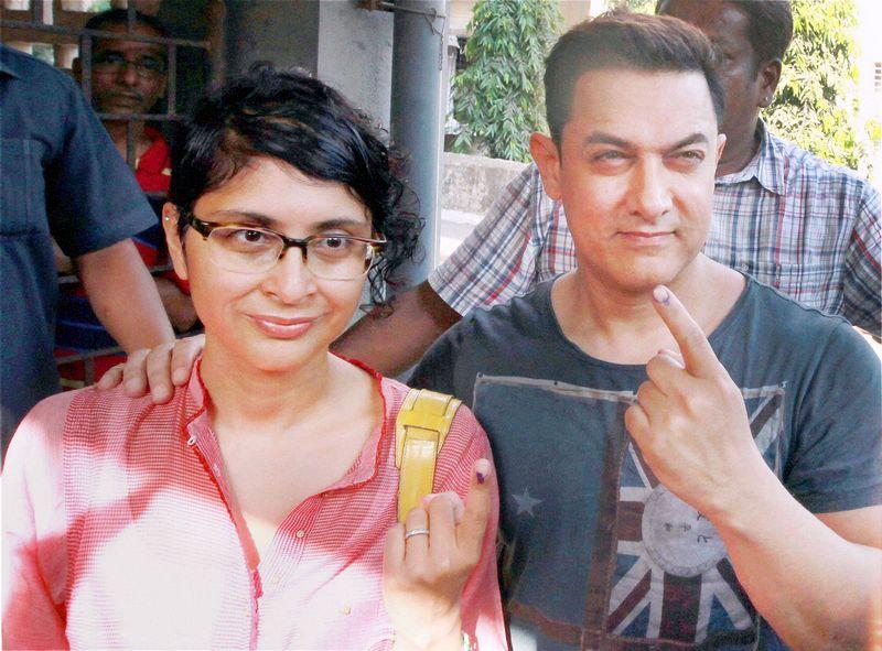Aamir Khan and Kiran Rao vote at Lok Sabha Elections 2014