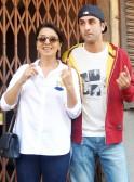 Ranbir Kapoor and Neetu Kapoor vote in Lok Sabha Elections 2014