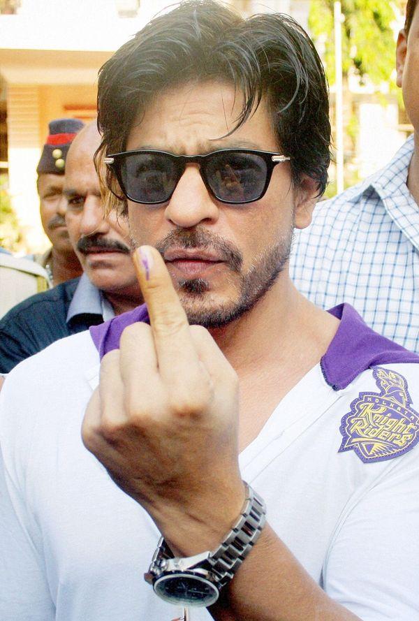 Shah Rukh Khan votes in Lok Sabha elections 2014