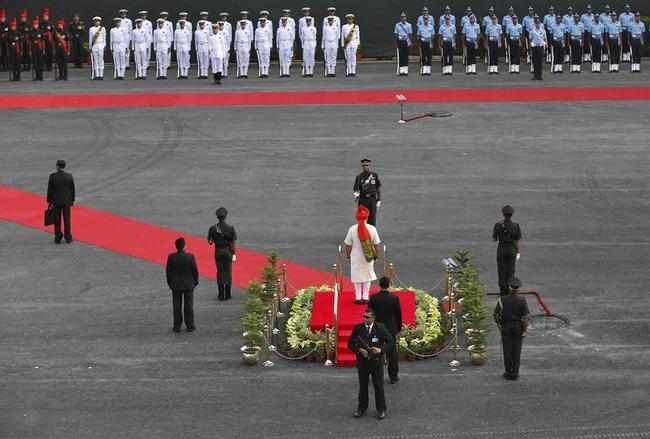PM Modi inspects a guard of honour