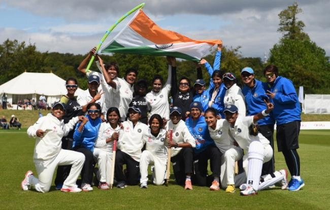 India Beat England by 6 Wickets