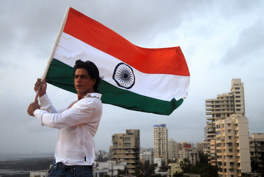 Shah Rukh Khan with Indian flag