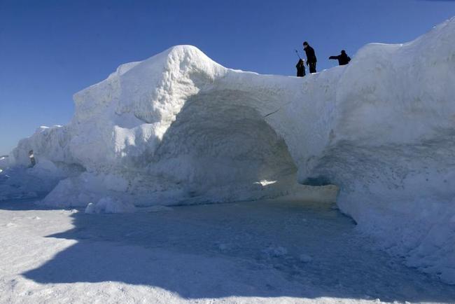 Lake Michigan Freezes